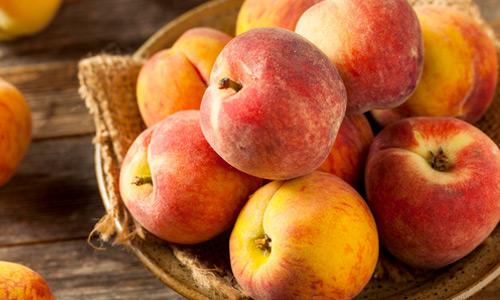 Sorgfältig geprüfte und ausgewählte Früchte