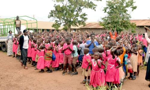 Mittagsessen für die Grundschule Catherine Primary School Kangulumira